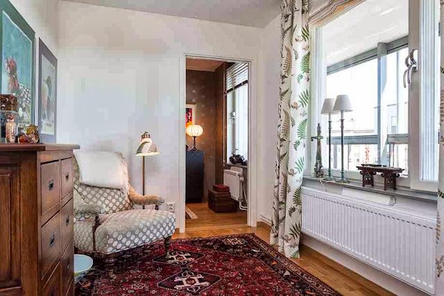 Orientalne meble i dodatki w aranżacji wnętrza skandynawskiego mieszkania