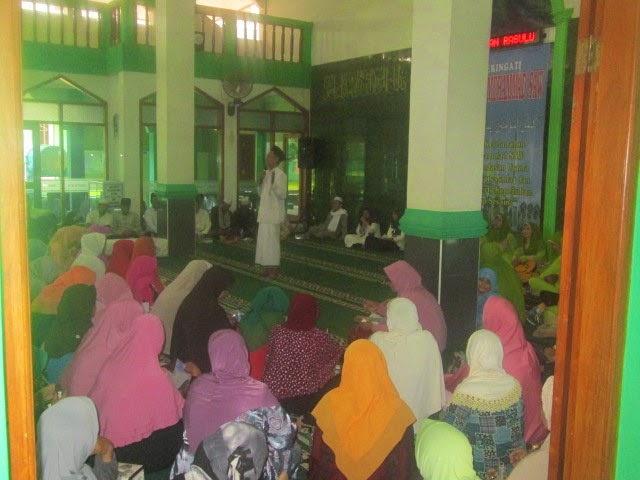 Jama'ah masjid baitul muttaqin
