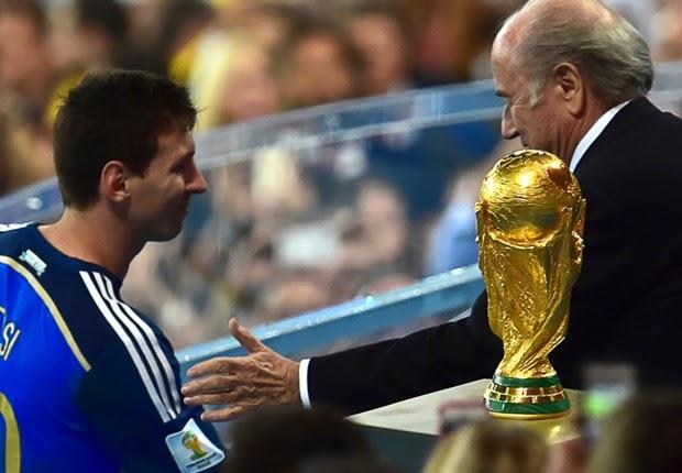 Lionel Messi Tak Pantas Raih Golden Ball