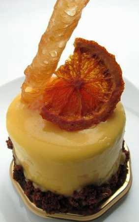 Bolo de laranja com casca no liquidificador