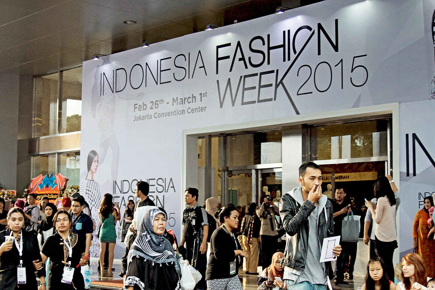 Indonesia fashion week 2015 vveekend 101 last weekend was indonesia fashion week 2015 and if you noticed i have put the ifw badge since last week so yes i got the blogger pass and invitation to stopboris Images
