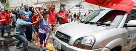 Manifestantes expulsam Globo