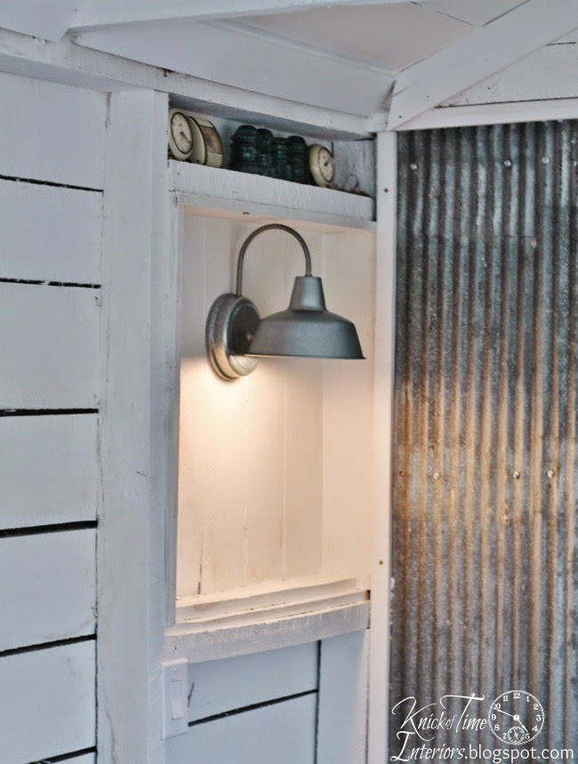 Industrial barn light lighting via Knick of Time @ http://knickoftimeinteriors.blogspot.com/