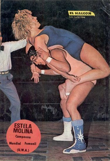 Luchadoras, Estela Molina, Vicki Williams