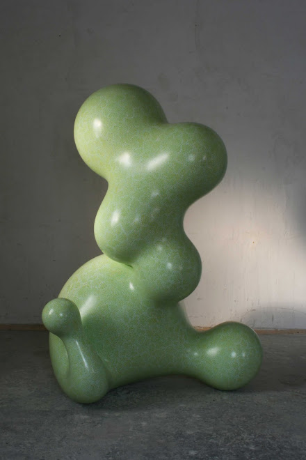 infantila, epoxy resin, paint, paintmarker, 160cm high, 2008-2011
