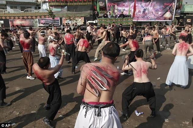 Polisi Hadang Massa Anti-Syiah pada Peringatan Asyura di Semarang