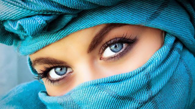 Rostros de Chicas con Ojos Azules