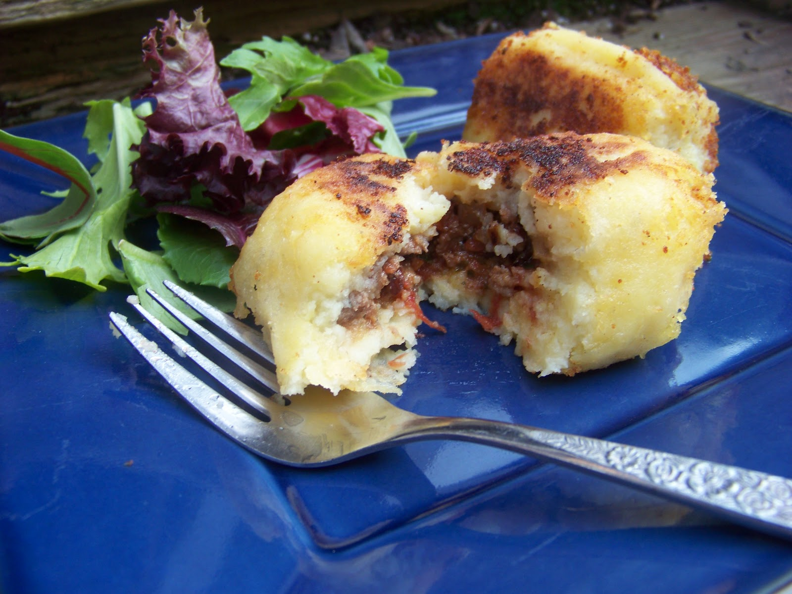 Tora's real food: Papa rellena: Peruvian stuffed potatoes