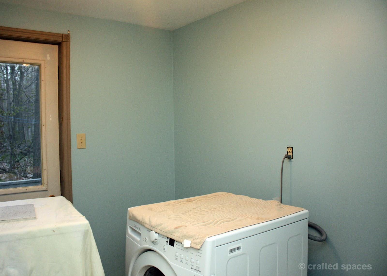 http://1.bp.blogspot.com/-gq-L_C2nAbI/UHv6ji6STfI/AAAAAAAABRw/d0psvX22mHc/s1600/laundry-room-wall2.jpg
