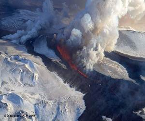 Kamchatka_Russia_volcano _Tolbachik_erupts