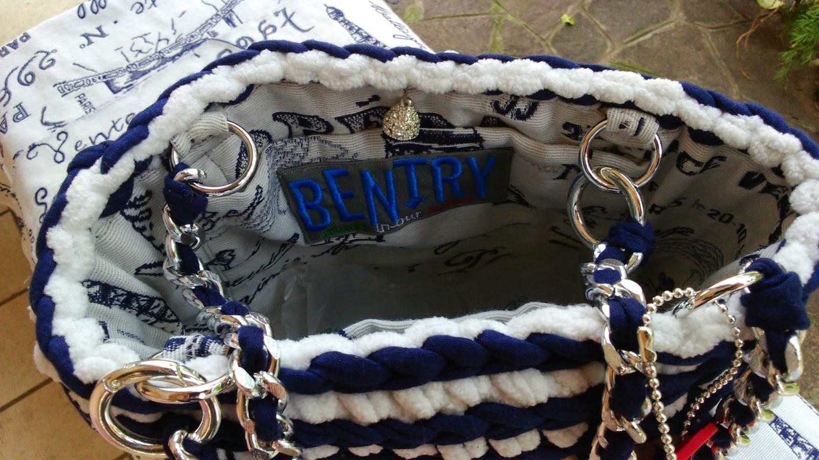 Borsa cotone blu e ciniglia bianca