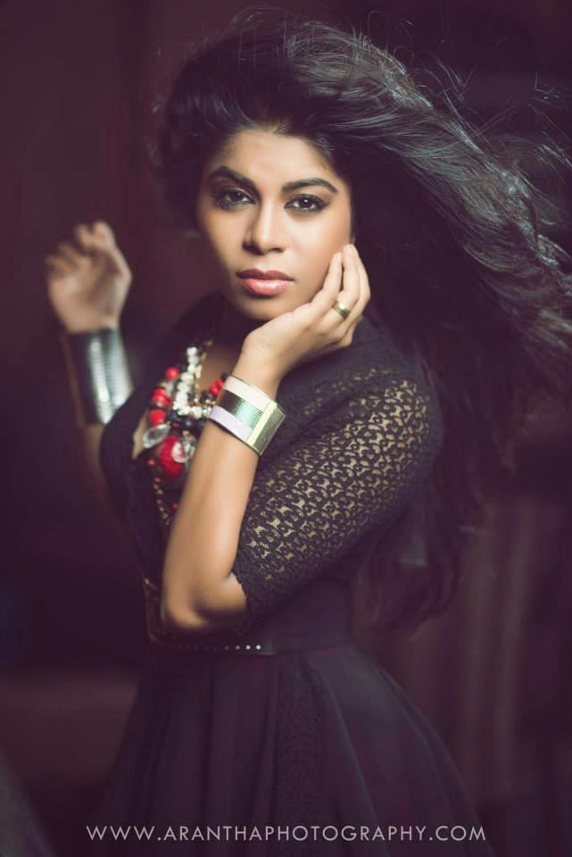 UMARIA SINHAWANSA PERERA singer