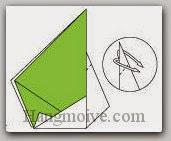 Bước 9: Gấp lộn ngược cạnh giấy xuống dưới.