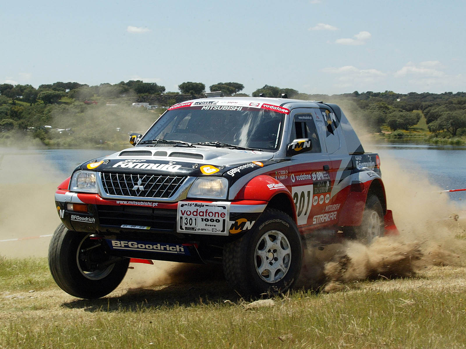 http://1.bp.blogspot.com/-gqcDTCM4ZlA/T6YKQgbytxI/AAAAAAAAA5Y/adWIaHjl6RY/s1600/Mitsubishi+Pajero+Sport+Car+Images.jpg