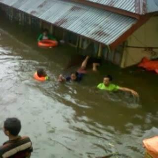 kumpulan foto gambar banjir di padang panjang