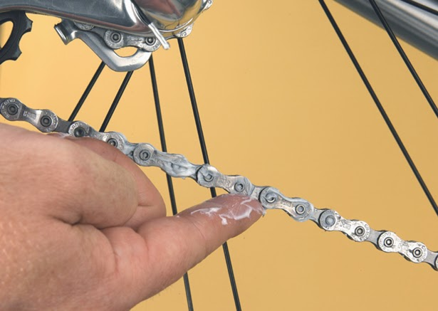 Bike News, Report, Cycling Tips, how to choose good lubricants for the bike, how to choose lubricants