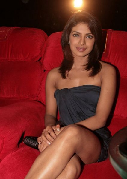 normal priyanka chopra on event cross legs Bollywood Actresses Oops and Panty Upskirts