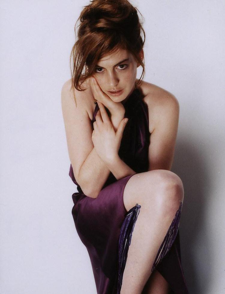 Anne Hathaway Haircut 45