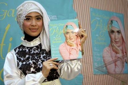 Buku Hijab ala April Jasmine