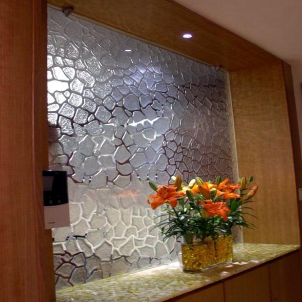 panneaux d coratifs en verre pour la maison et l 39 usage du. Black Bedroom Furniture Sets. Home Design Ideas