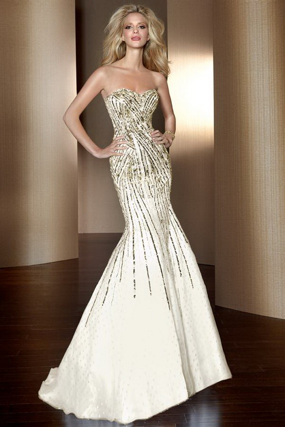Strapless sweetheart prom dress with beaded accents
