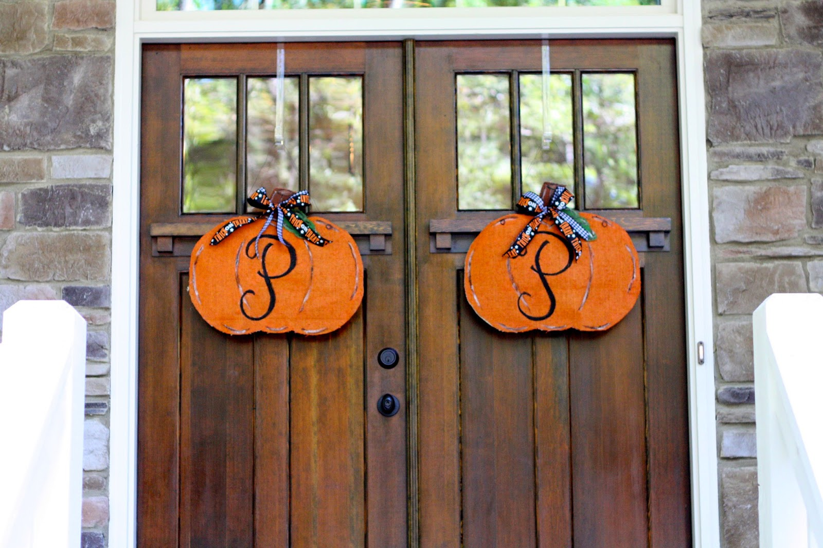 Door hanger fall front door decoration pumpkin door decoration -  Front Door Decor I Know Some People Have Had Their Fall Decor Up Since Sept 1 But I Like To Wait Until The Official Start Of Fall To Start Putting