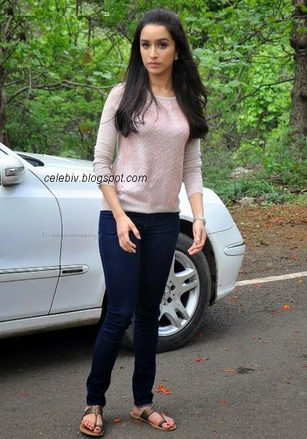 shraddha kapoor tight jeans