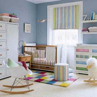 dormitorio colorido para bebé