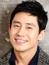 Biodata Shin Ha Kyun Pemeran Choi Go Bong / Choi Shin Hyung
