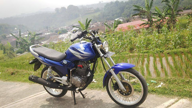 Foto Modifikasi Honda Megapro Biru Simple
