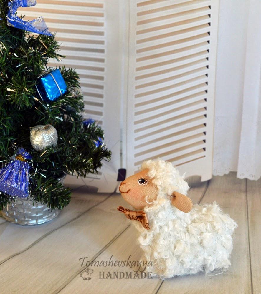 Картинка веселая овечка новый год