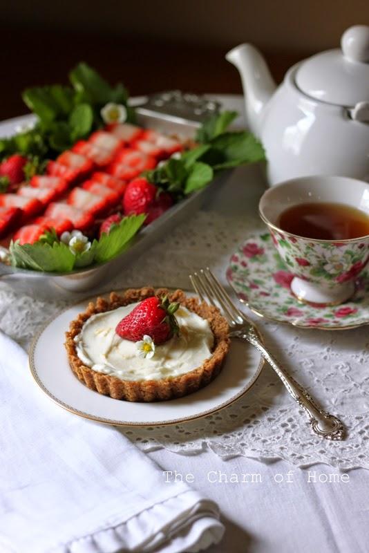 Strawberry Tart Tea: The Charm of Home