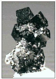 Kilap logam pada mineral bersifat opaque