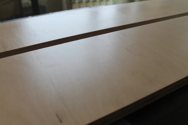 Покраска мебели своими руками Поверхность с финишным слоем лака