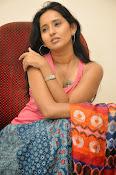 Ishika Singh Latest Glamorous Photos-thumbnail-4