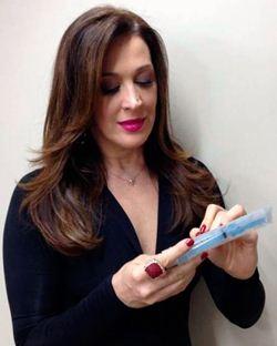 Em meio às gravações de 'Salve Jorge', Claudia Raia recebe pedido inusitado