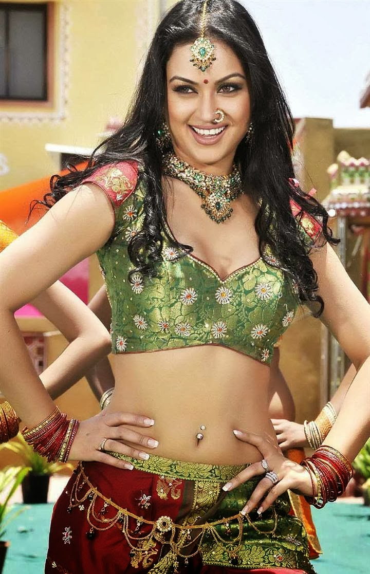Maryam Zakaria Hot Images
