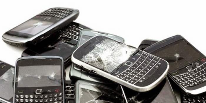 6 Kebiasaan Yang Membuat Ponsel Cepat Rusak