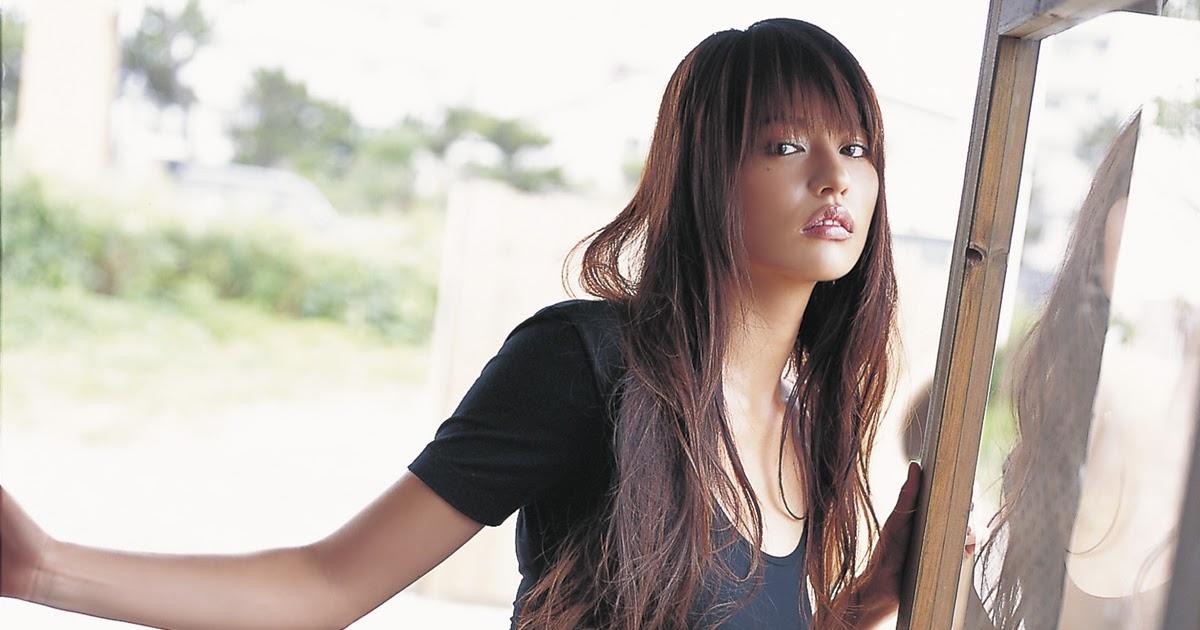 Girlz Pic Yuriko Shiratori Stunning Shape In Tight Dress