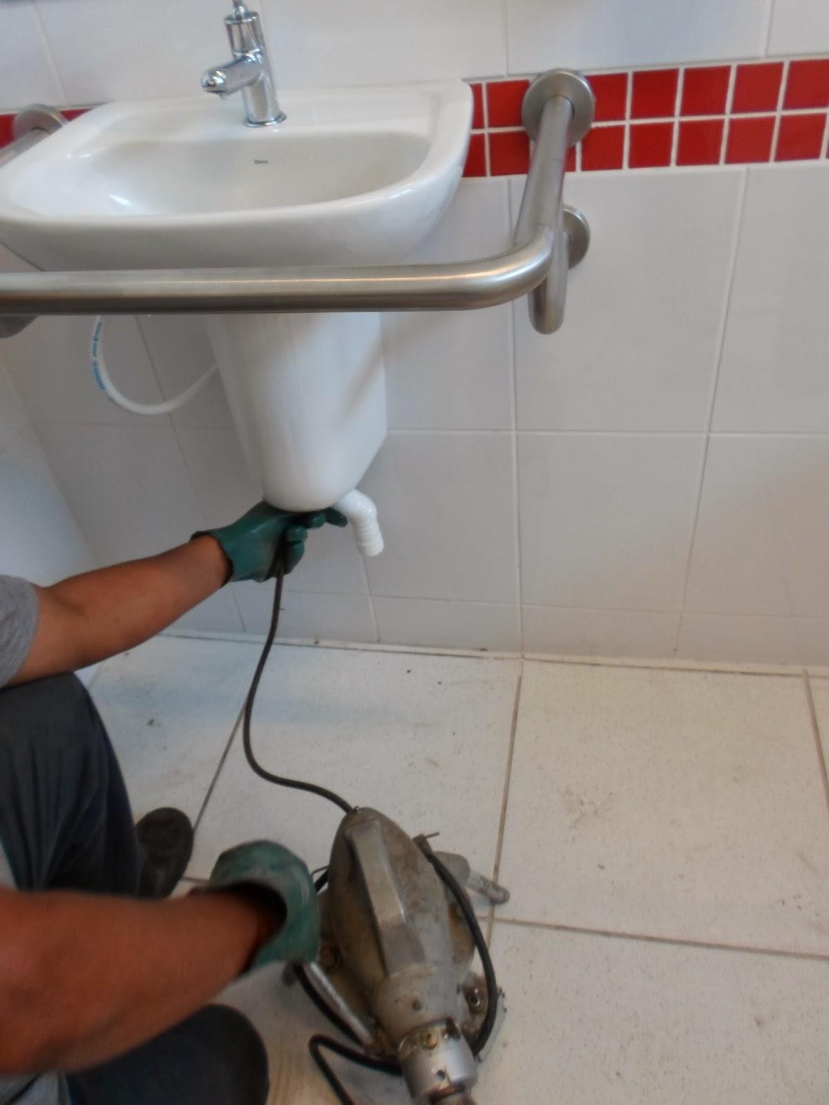 Desentupimento de Pia de Banheiro #733428 1200 1600