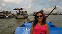 Isa camino del mercado flotante, Delta del Mekong - Vietnam.
