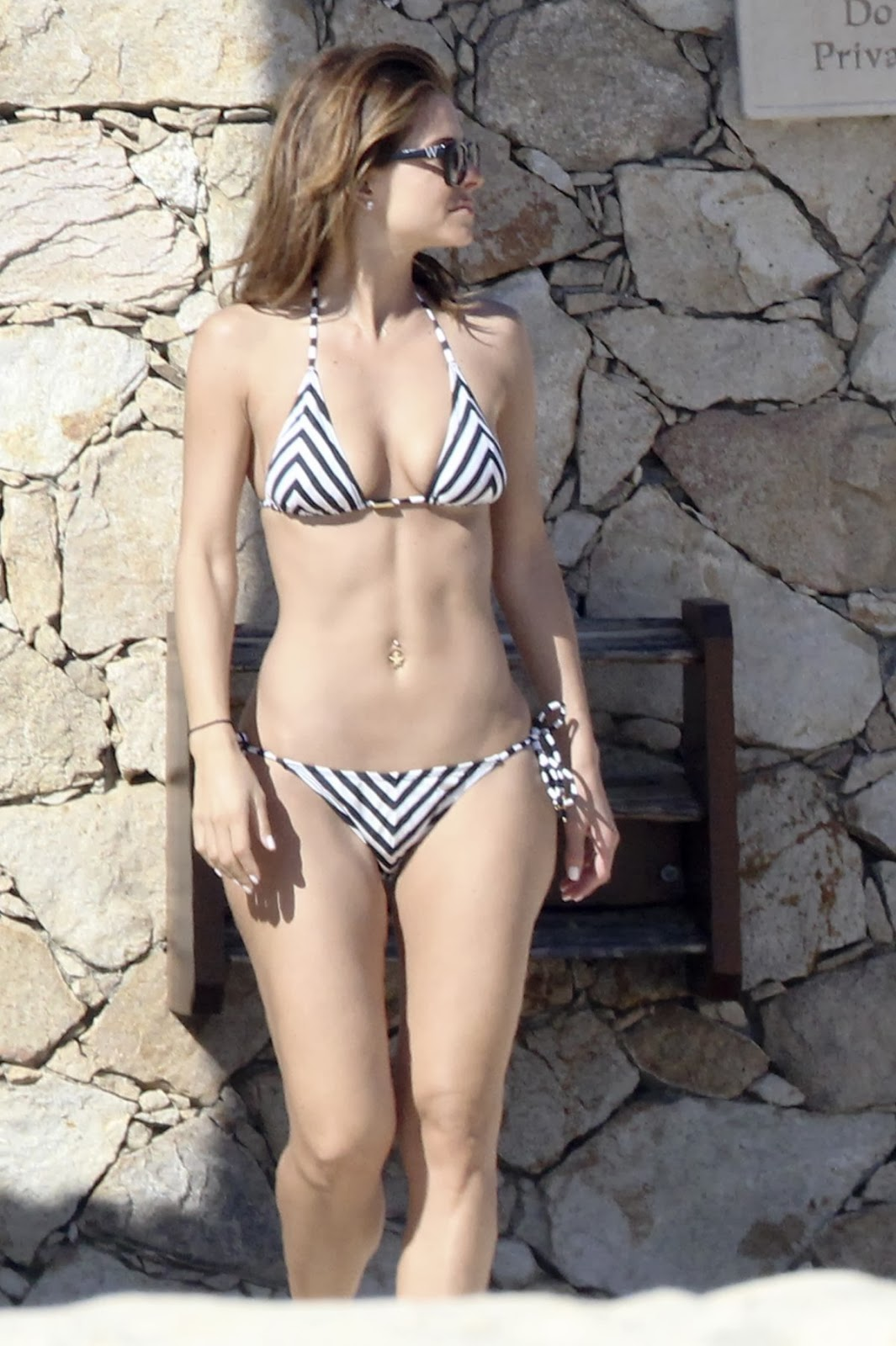 Maria Menounos Amazing Bikini Body Candids Poolside In Mexico