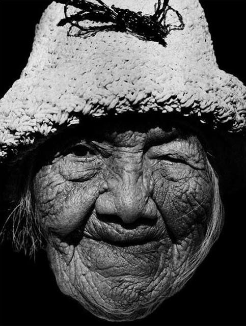 Gammel indianer-kvinde på 106 år