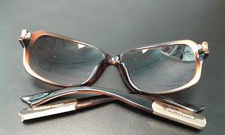 Óculos quebrados da Chilli Beans