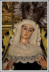 Nuestra Señora del Socorro vestida de luto.