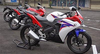 Gambar Honda CBR 150R Standar