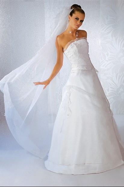 robes de mariage robes de soir e et d coration robe de mari e bochet cr ations. Black Bedroom Furniture Sets. Home Design Ideas
