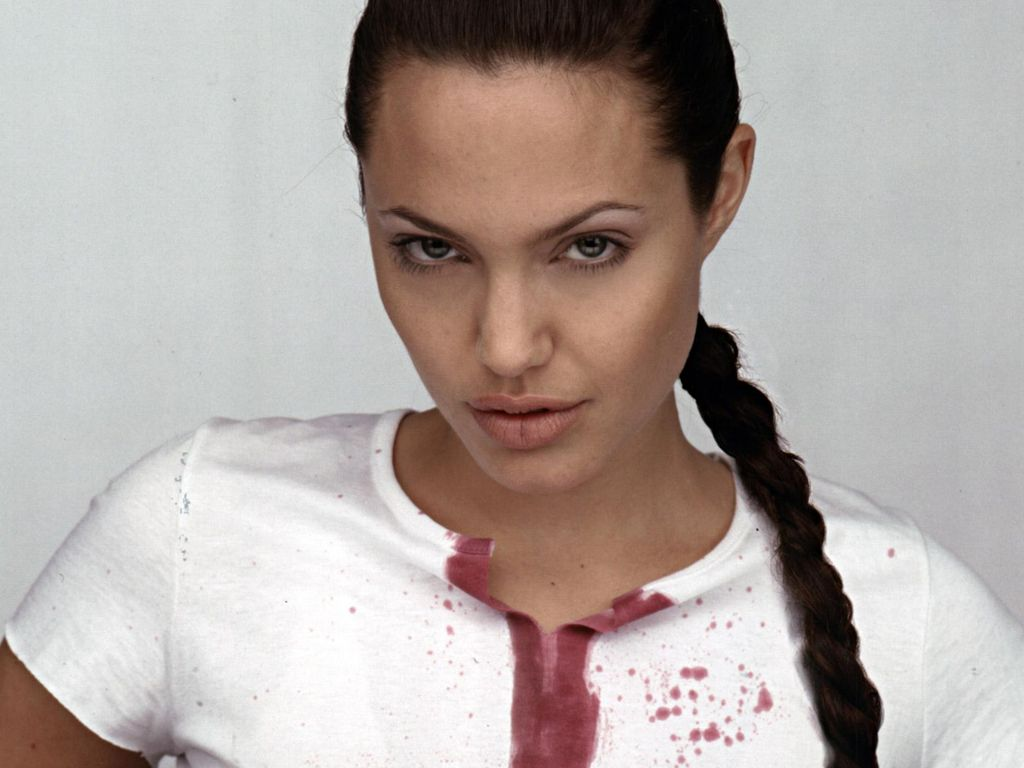 http://1.bp.blogspot.com/-gvhXWVA8-To/TbWtw-NSkdI/AAAAAAAANxA/9YCd2HP9mJU/s1600/angelina-jolie-wallpapers-HD-wallpapers.jpg