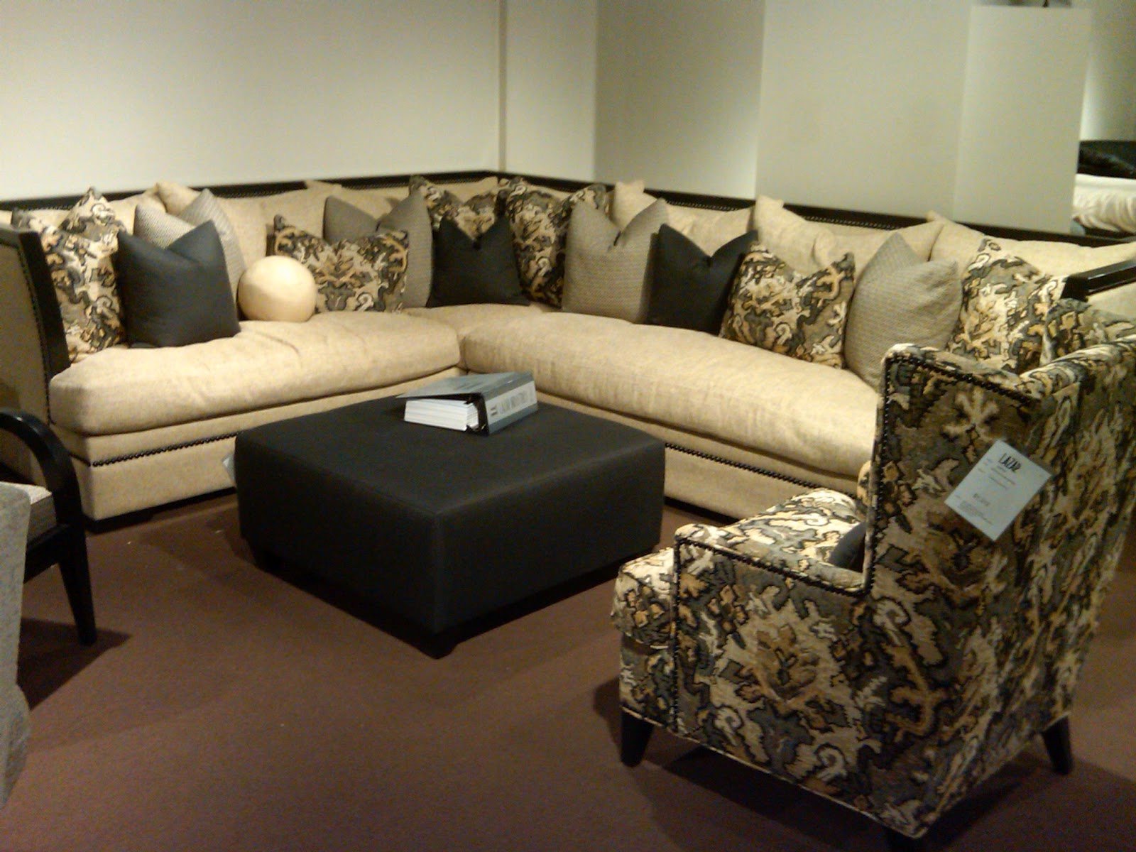 Charmant Design Trends 2012  Whatu0027s Hot This Year In Upholstered Furniture