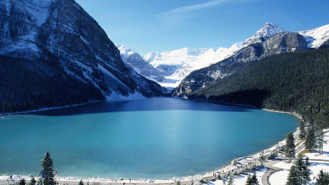 Lake Louise, Mountain Resort, Banff National Park, Canada